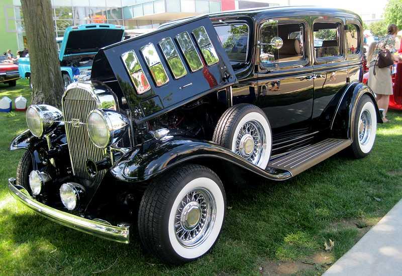 Sloan Museum Auto Fair show still attracts GM classics