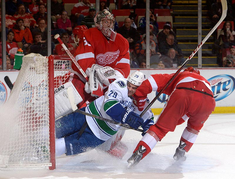 Oh, What A Relief: Jimmy Howard Rescues Wings As Sub